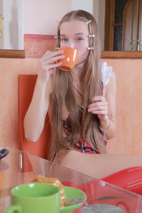 http://img101.imagevenue.com/loc204/th_039631432_tduid300163_MetArt_Imenima_Milena_D_high_0026_123_204lo.jpg