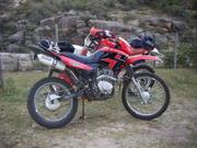 Endureando con la XR 250 y la SKUA 150 por las sierras