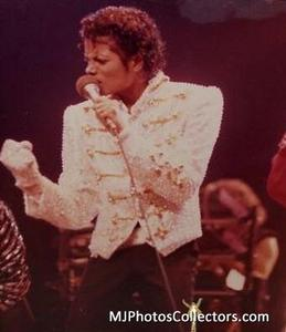 1984 VICTORY TOUR  Th_754452312_gallery_8_1333_13816_122_524lo