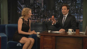 Uma Thurman - Late Night with Jimmy Fallon (2011), 720p